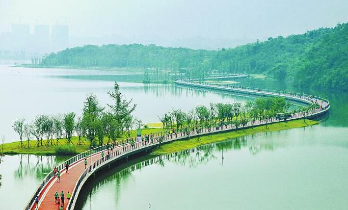 全球7000跑友角逐兴隆湖畔