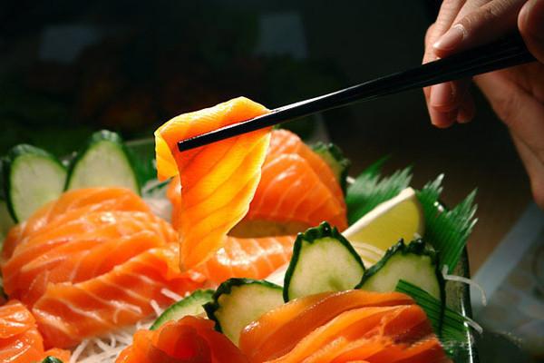 市售三文鱼大多是养殖的 野生的极少