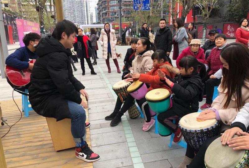 社区居民DIY助力社区音乐节