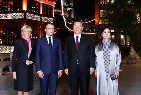 习近平夫妇会见法国总统马克龙夫妇