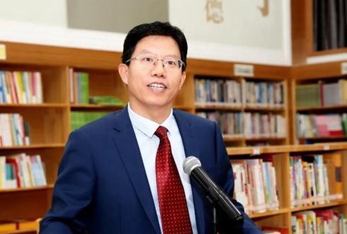 范胜武:创特色教育,塑中华英才!