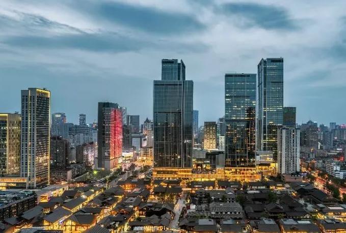 上半年我国GDP十强的城市排位出炉